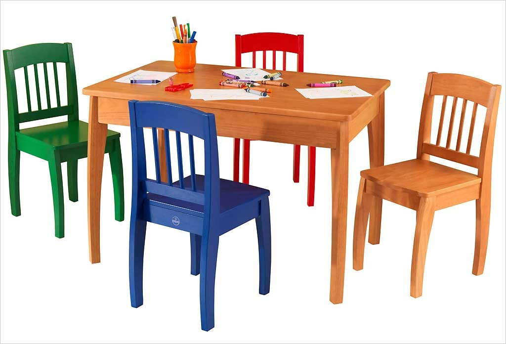 Table en bois pour enfants kidkraft et 4 chaise color es for Table 4 en 1