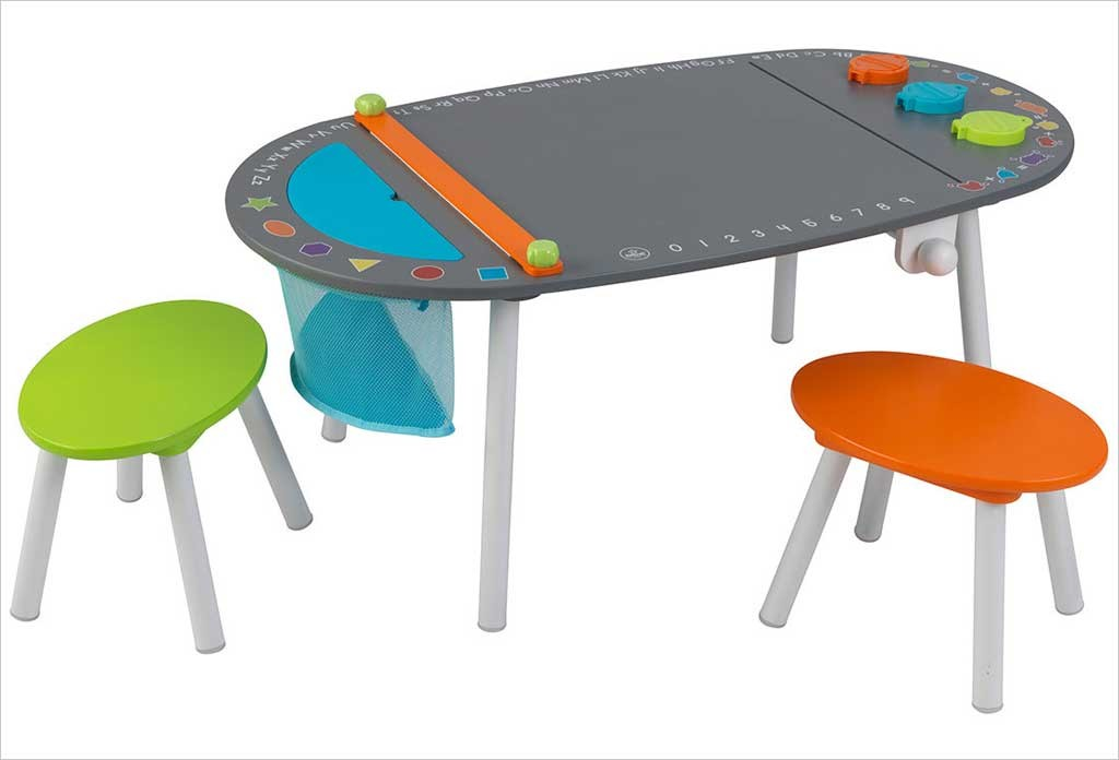 table de dessin pour enfants et 2 tabourets chalkboard. Black Bedroom Furniture Sets. Home Design Ideas