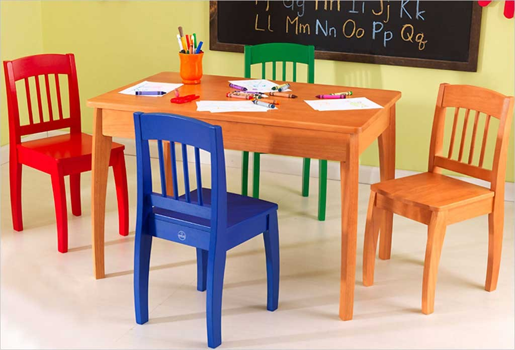 Table en bois pour enfants kidkraft et 4 chaise color es - Table et chaise moulin roty ...