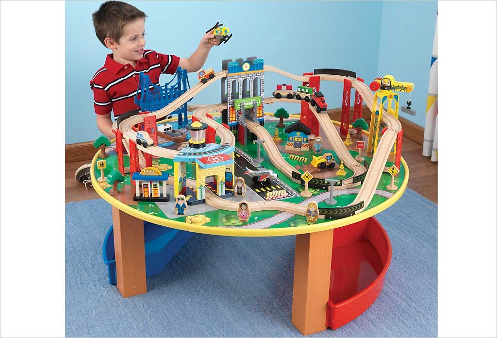 table circuit train bois city explorer s kidkraft jouets. Black Bedroom Furniture Sets. Home Design Ideas