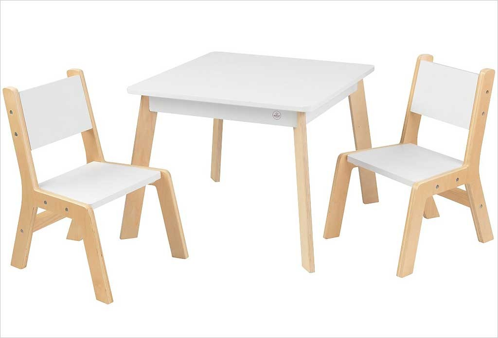 petite table de rangement pour enfant en bois naturel kidkraft. Black Bedroom Furniture Sets. Home Design Ideas