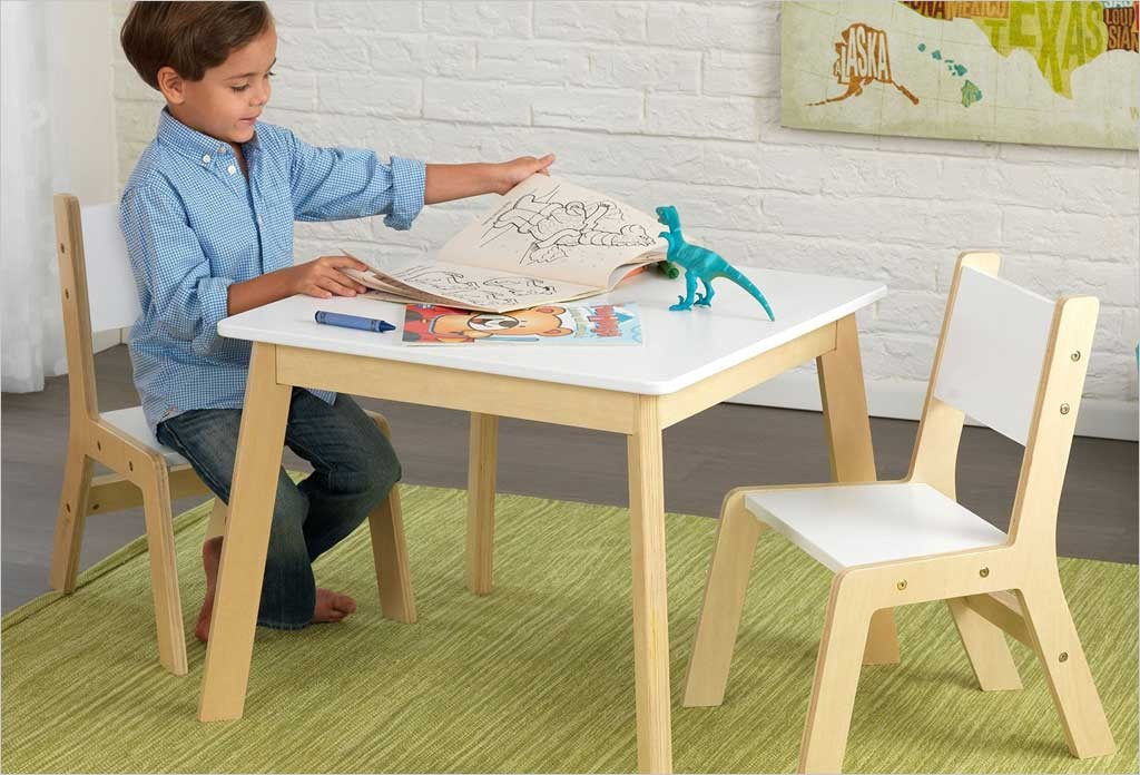 petite table moderne blanche en bois pour enfant kidkraft. Black Bedroom Furniture Sets. Home Design Ideas